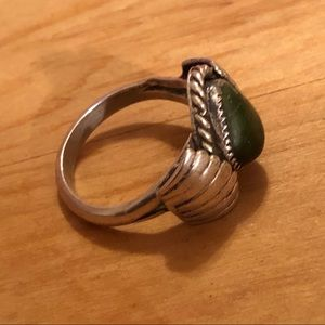 Vintage Jewelry - 🎉SOLD🎉 Navajo Sterling & Green Turquoise Ring